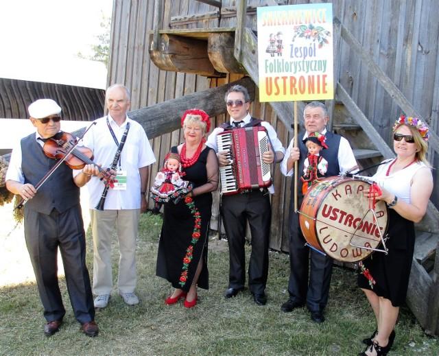 Zespół Ustronie ze Skierniewic na święcie kultury świętokrzyskiej