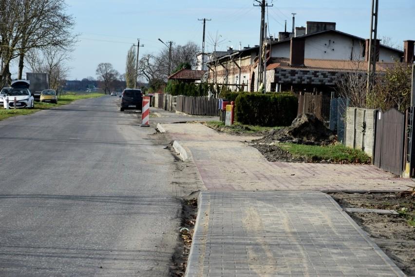 Tu zajdzie zmiana - nowe chodniki w Stefanowie - 19 listopada 2019