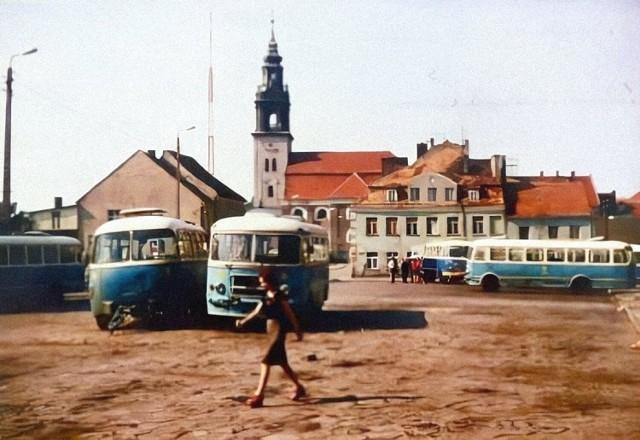 Dworzec autobusowy na Placu Wolności, rok 1975.
