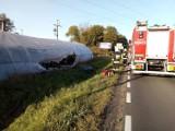 Wypadek pod Grudziądzem. Opel wypadł z drogi. Kierowca trafił do szpitala [zdjęcia]