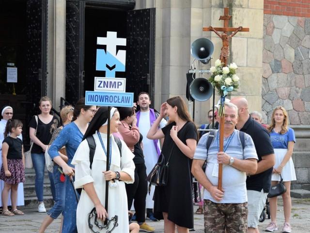 Z parafii Zwiastowania Najświętszej Maryi Pannie wyruszyła na Jasną Górę pielgrzymka. Pątnicy dotrą do Częstochowy 5 sierpnia
