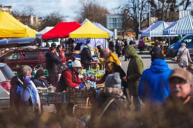 Zielony Rynek Targowisko Gdańsk-Przymorze jest otwarte w środy i w soboty