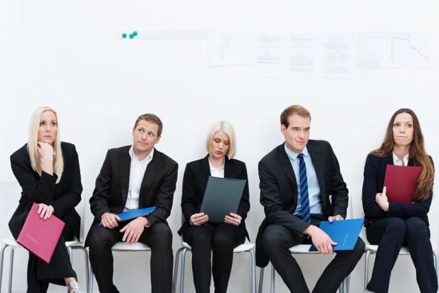 Znalezienie zatrudnienia sprawia ci trudność? Problem może tkwić nie w tobie, ale w danych statystycznych.    W tych zawodach jest za dużo kandydatów do pracy.