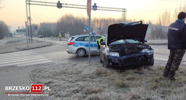 Zdarzenie miało miejsce na DK 94 w Dębnie w rejonie skrętu w kierunku Maszkienic, 11.01.2021