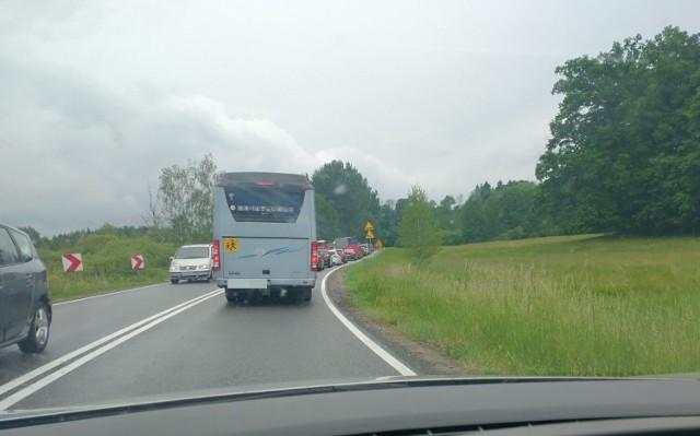 Korek na DK11 przed Wierzchowem od strony Bobolic