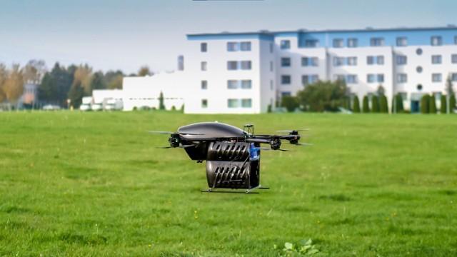 Drony będą przewoziły sprzęt medyczny nad Sosnowcem. Wkrótce ruszę testy w terenie.   Zobacz kolejne zdjęcia. Przesuń w prawo - wciśnij strzałkę lub przycisk NASTĘPNE