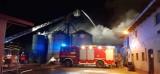 Gostyń. Pożar budynku gospodarczego w Rokosowie. Straty oszacowano na pół miliona złotych! [ZDJĘCIA]