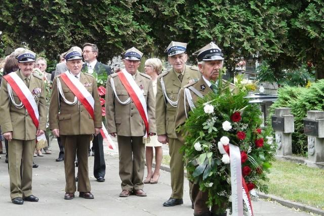 74. rocznica wybuchu II wojny światowej. Złożenie kwiatów na cmentarzu wojennym w Rawie