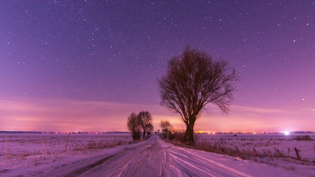 Zimowa noc na granicy województwa lubuskiego.