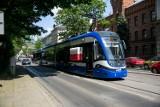 3 maja w Krakowie. Tramwaj patriotyczny przejechał ulicami miasta [ZDJĘCIA]