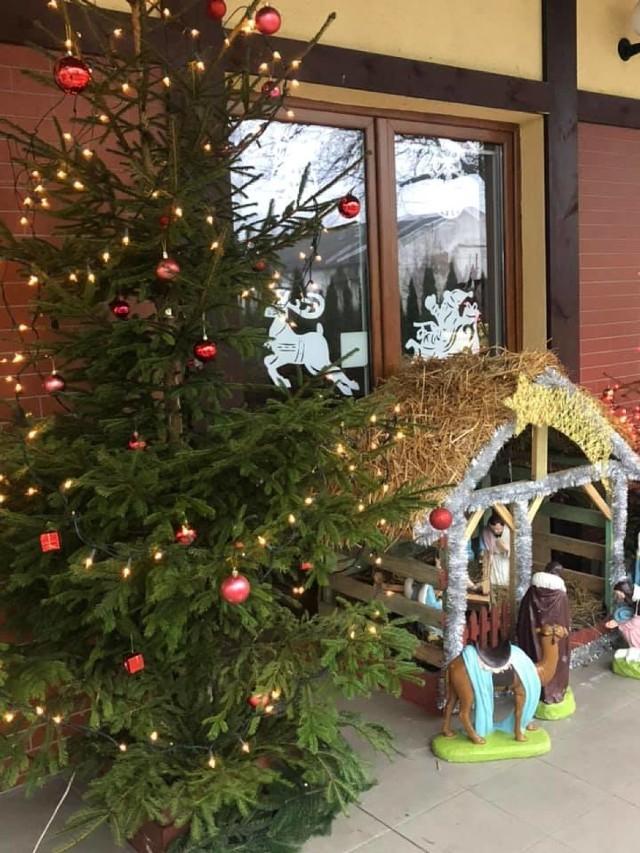 Świetlice wiejskie w gminie Czarne w pięknej świątecznej odsłonie w obiektywie ... burmistrza Piotra Zabrockiego.