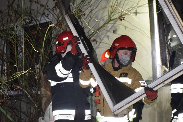 Pożar bloku mieszkalnego w Sieradzu