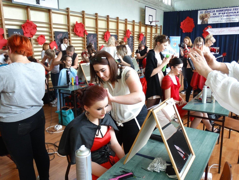 Młodzi Fryzjerzy Rywalizowali W Zespole Szkół Zawodowych W Lublińcu
