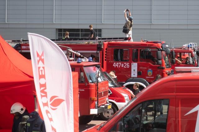 Zobacz zdjęcia ze zlotu czerwonych pojazdów w Poznaniu--->>>  Strefa pole dance