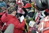 To było szaleństwo! Justyna Kowalczyk z medalami igrzysk w Vancouver fetowana w Kasinie Wielkiej ZDJĘCIA