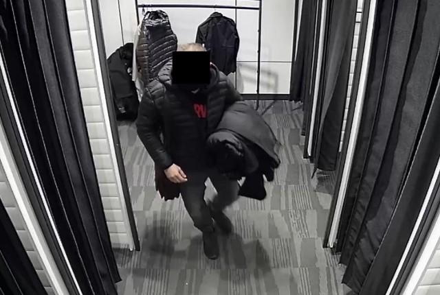 Ten mężczyzna ukradł w Grudziądzu odzież zimową wartą ponad 500 zł. Policja prosi o pomoc w ustaleniu jego tożsamości