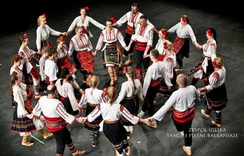 Taniec podobno łączy pokolenia. Bałkański wieczór folkowy...