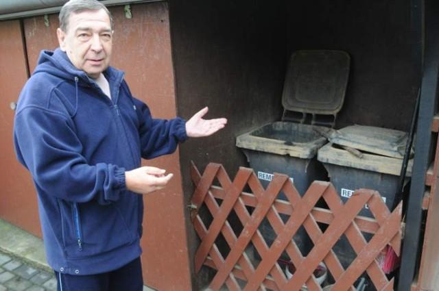 -Najgorzej, że nikt nam nie powiedział, gdzie do końca czerwca mamy zostawiać posegregowane śmieci - mówi Wiesław Długosz.