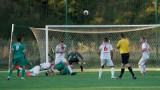 Ligowy mecz piłki nożnej MKS Debrzno -  Echo Biesowice. Ważne oczka dla zwycięzców