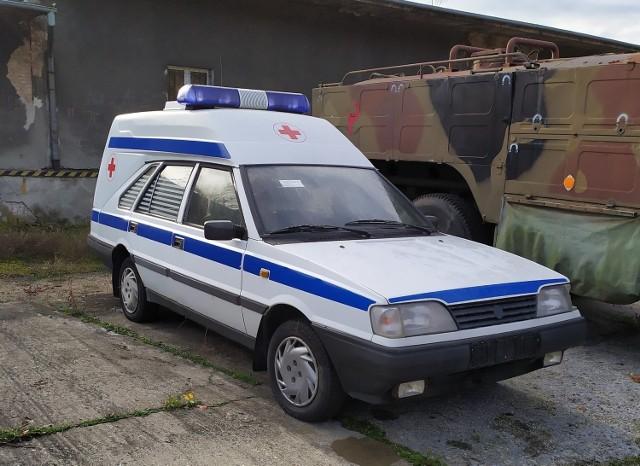 Samochód sanitarny POLONEZ 1,6 GLI (poj. 1,6 l), (bez wyposażenia) Rok produkcji:1977 Cena:4000