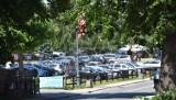 Malbork. Parking przy zamku w ogniu krytyki. Okazuje się, że turyści wciąż wydzwaniają do muzeum i Urzędu Miasta