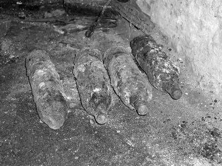 W piwnicy były cztery niewypały. foto: JAKUB MORKOWSKI