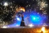 Noc Kupały 2021: Mimo złej pogody w Poznaniu odbyła się Noc Sobótkowa. Pokazy teatru ognia i koncert [ZDJĘCIA]