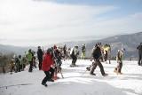 W Beskidach spadł śnieg. Powody do zadowolenia mają jedynie narciarze