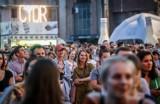 Cydr Lubelski Spragnieni Lata. Energetyczne koncerty rozbujały gdańską publiczność na terenie Stoczni [zdjęcia, wideo]