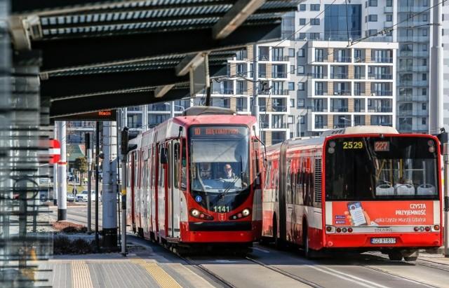 Od najbliższej soboty przestaną obowiązywać limity pasażerskie w autobusach i tramwajach w Gdańsku