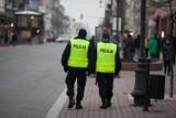 Pokazał goły tyłek policjantom w Żorach i rzucił się na nich z pięściami