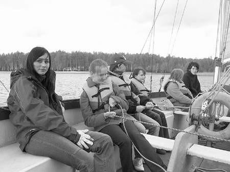Poznawanie tajników żeglarstwa na Pogorii I sprawiało uczniom wielką radość.