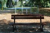 Zbąszyń: Zaniedbany plac zabaw dla dzieci i bałagan na terenie przy kortach tenisowych [Zdjęcia]