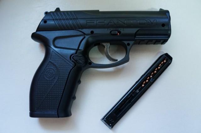 Osiedle Tysiąclecia Jastrzębie: Groziła sąsiadce... pistoletem!