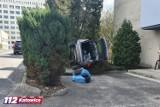 Katowice: Kobieta pomyliła gaz z hamulcem i zniszczyła dwa samochody. Wypadek w Ochojcu