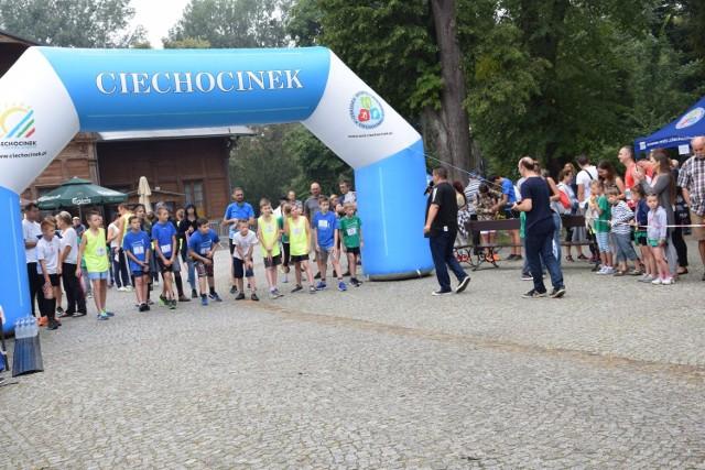 Za nami biegi młodzieżowe w Ciechocinku, w których wystartowało ponad 100 dzieci.