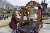 Na Jasnych Błoniach stanął dzwon - Głos Nienarodzonych jako alternatywa dla Marszu Życia. ZDJĘCIA