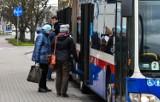 Autobusy jeżdżą rzadziej - kierowcy w Bydgoszczy w kolejce do zwolnienia