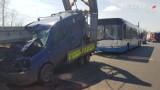 Wypadek autobusu na trasie z Zabrza do Bytomia. Wjechał w samochód techniczny. Są ranni