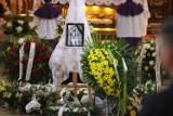 Katowice: Pogrzeb 19-letniego Dominika. Kibice GKS żegnają piłkarza, który zginął od ciosów nożem.