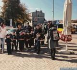 Mali policjanci rozdawali odblaski na koneckim targowisku [ZDJĘCIA]