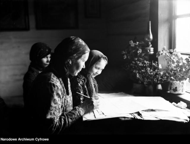 Arkusze spisowe wypełniane przez kobiety z - wtedy podkrakowskich - Bronowic.