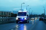 Dwa auta z powiatu limanowskiego zderzyły się w Starym Sączu. Kobieta w szpitalu