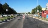 Gorzów. Ulica Kombatantów z poślizgiem. Miała być gotowa na koniec sierpnia. A kiedy będzie?
