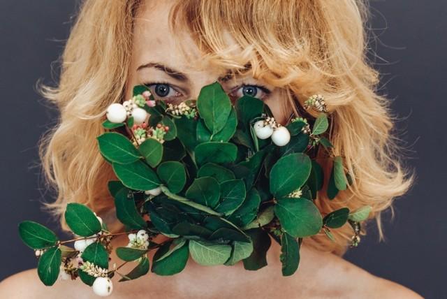Maskbook to warsztaty z tworzenia artystycznych masek antysmogowych, ich rezultat można zobaczyć na wystawie online Dworku Białoprądnickiego