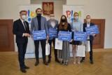 Prezydent Piły wręczył nagrody najlepszym sportowcom i artystom. Kto na nie zasłużył?