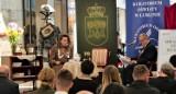 """Narodowe Czytanie w Chełmie. Tym razem uczestnicy wcielili się w bohaterów """"Moralności pani Dulskiej"""". Zobacz zdjęcia"""