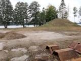 Przerwana budowa hotelu nad jeziorem w Trzesiecku. Czy to już wznowienie prac? [zdjęcia]