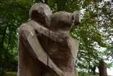 Romantyczny spacer w parku miłości to 100 kilometrów od Nowej Soli. Ale do Lubniewic warto pojechać