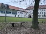 Będzie szorowanie boiska I Liceum Ogólnokształcącego w Szczecinku. Dlaczego? [zdjęcia]